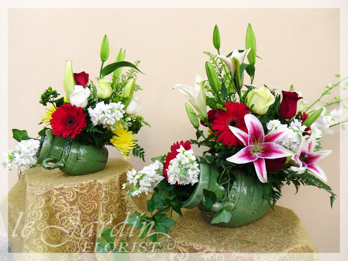 Double jeopardy a le jardin signature flower arrangement for Arrangement jardin